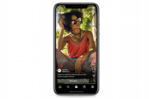 Example of an Instagram Reel advertisement featuring a static image of model wearing jewelry