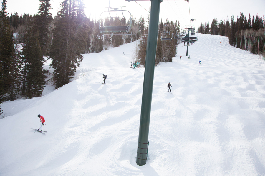 Influencers and editors skiing down mountain at Deer Valley Experience